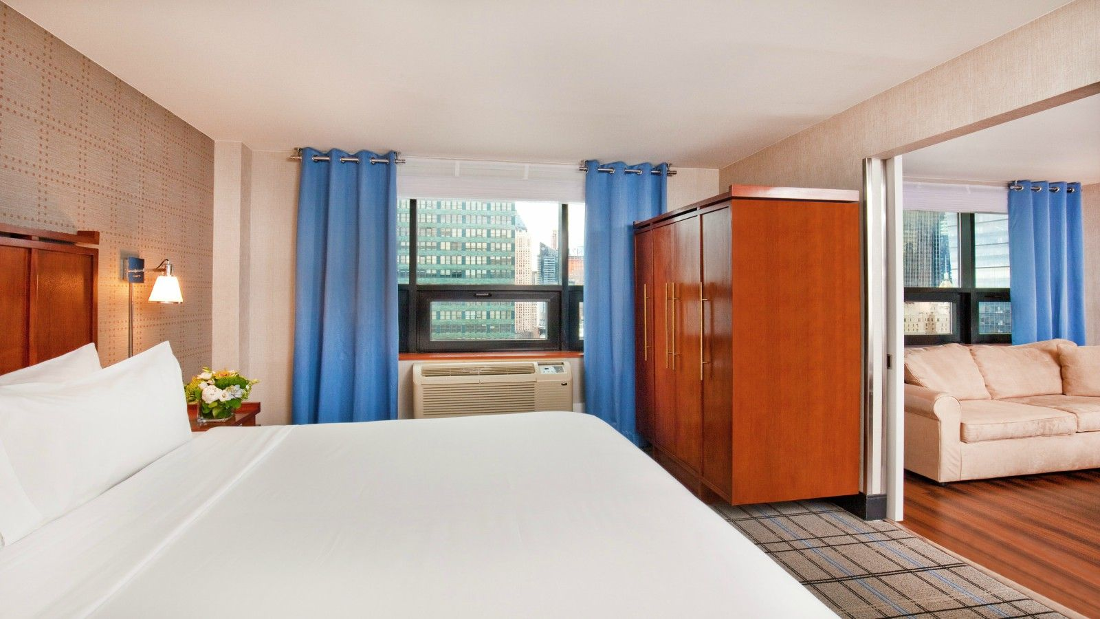 Times Square Accommodations - Suite